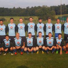 Fußballer zum Heispielauftakt im Derby gegen Rasch